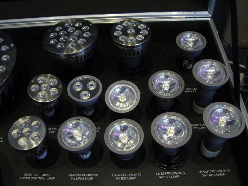 Quelles Ampoules Conviennent Aux Plafonds Suspendus