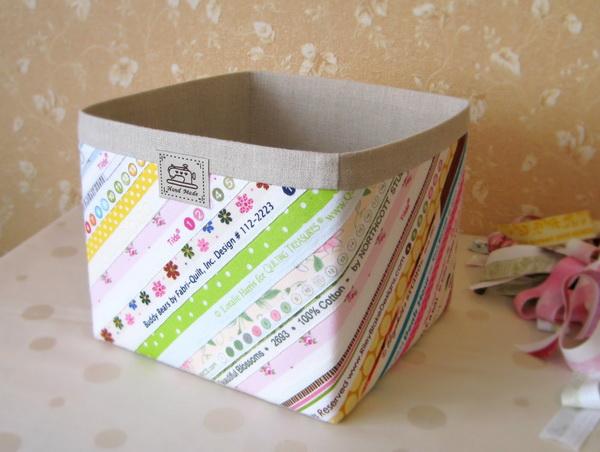 Как обшить картонную коробку тканью своими руками под игрушки 69